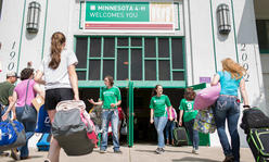 kids entering 4-H Building at fairgrounds