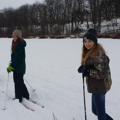 kids on cross country skis